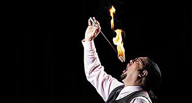 Penn Jillette Reveals the Secrets of Fire-Eating | Smithsonian | Public Relations & Social Media Insight | Scoop.it