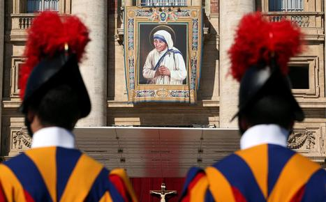 Vatikaaniin pakkautui satatuhatta ihmistä seuraamaan äiti Teresan julistamista pyhimykseksi | Uskonto | Scoop.it