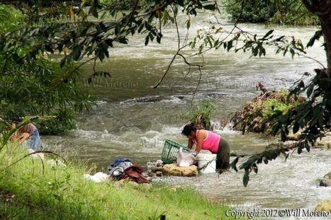 Washing in the Mopan River in the Western Distict of Cayo in Belize | Belize in Photos and Videos | Scoop.it
