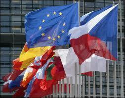 ET SI L'EUROPE INTERDISAIT LES AVERTISSEURS DE RADARS ? | Facebook | Union Européenne, une construction dans la tourmente | Scoop.it