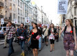 Les casseroles dans les rues de Londres (VIDÉO) | Higher Education and academic research | Scoop.it