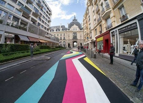 Colorful Geometric Shapes Take Over French Streets [Pics] | Graphic & Design | Scoop.it