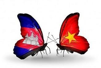 Vietnam, Cambodia Boost Defense Ties | Vietnam | Scoop.it