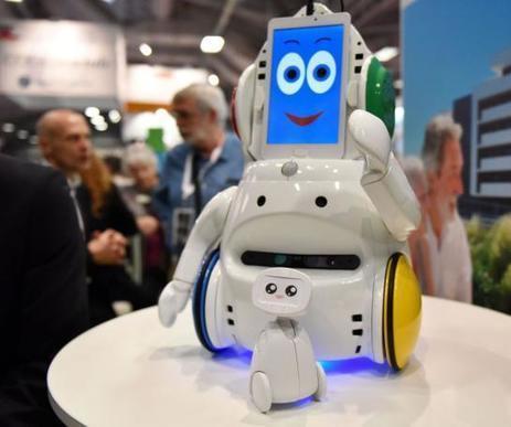 VIDEO. Buddy, le robot ange gardien des seniors - Le Parisien   Une nouvelle civilisation de Robots   Scoop.it