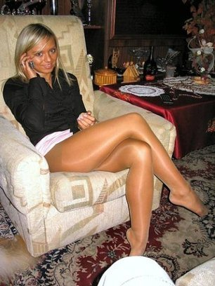 Hot blonde in shiny #pantyhose on Twitpic | Shiny Pantyhose | Scoop.it