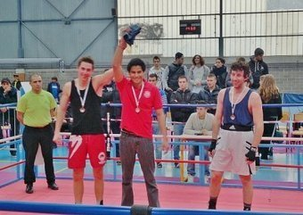 Lumière sur... Nena Tautuarii, champion de France de boxe ... - Le portail des sports Nice Côte d'Azur   Boxes et sports de combat   Scoop.it