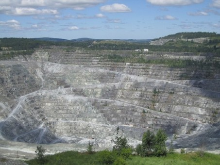 Asbestos: Death to the Dust! Hail to the People!   Asbestos and Mesothelioma World News   Scoop.it
