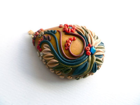 Golden Necklace - Polymer Clay - Chunky Floral Necklace Pendant - Handmade | Polymer Clay | Scoop.it
