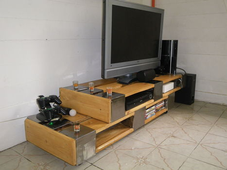 Pallet TV Stand | diy projects | Scoop.it
