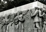 La « résurrection » à Baillet-en-France des bas-reliefs du pavillon soviétique de 1937   La Revue des Périodiques et des Livres en Sciences Sociales   Scoop.it
