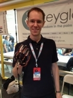 Maker Faire New York: Keyglove Gestural Input Device | Big and Open Data, FabLab, Internet of things | Scoop.it