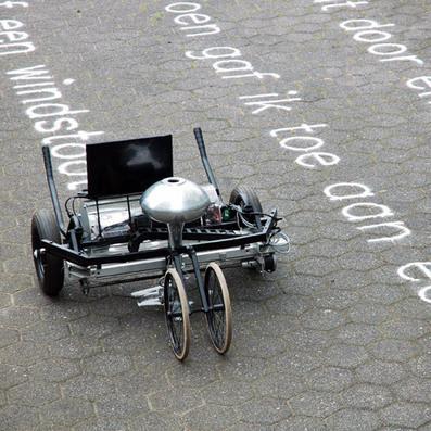 Movie: Skryf sand writer by Gijs van Bon writes poetry on the ground | Digital design & fabrication | Scoop.it