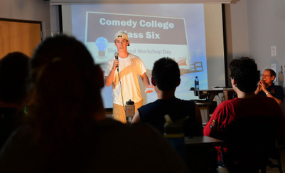 No joke: ISU students learning the tricks of standup comedy - News Service - Iowa State University | Entertainment | Scoop.it