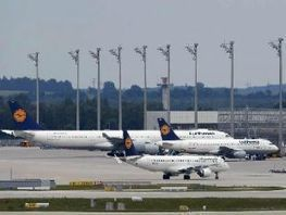 Lufthansa orders 108 new Airbus, Boeing jets for 9 bn euros - The Economic Times | AIR CHARTER NEWS | Scoop.it