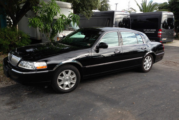Why Drive When You can Ride In Style   fortlauderdalecarservices   Scoop.it