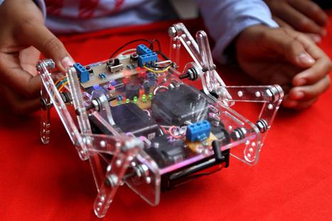 En foto: niños de Caracas exhiben los robots que construyeron en encuentro de robótica y automatismo | NUEVAS TECNOLOGIAS | Scoop.it