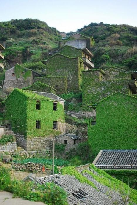 Abandoned Chinese Village Reclaimed by Nature Becomes Tourist Attraction | Strange days indeed... | Scoop.it