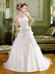 Miss Kelly, la collection de robes de mariée 2013 › Robes de soirée | Robes de soirée | Scoop.it