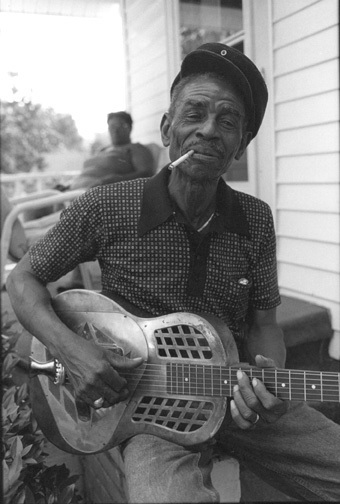 East Coast Piedmont Blues - John Dee Holeman | Piedmont Blues | Scoop.it
