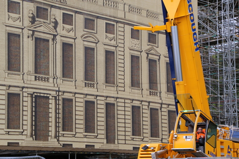 Unwrapping the house – 100 tonne crane returns to Dyrham Park | CETB | Scoop.it