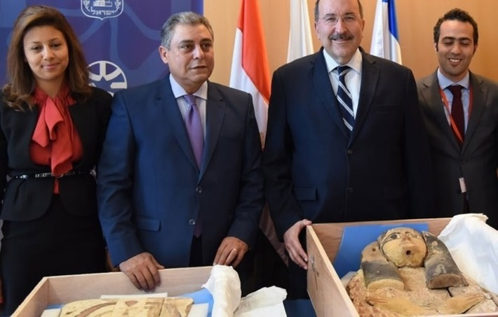 MFA transfers ancient sarcophagi covers to ambassador of Egypt | Heritage Daily | Afrique | Scoop.it