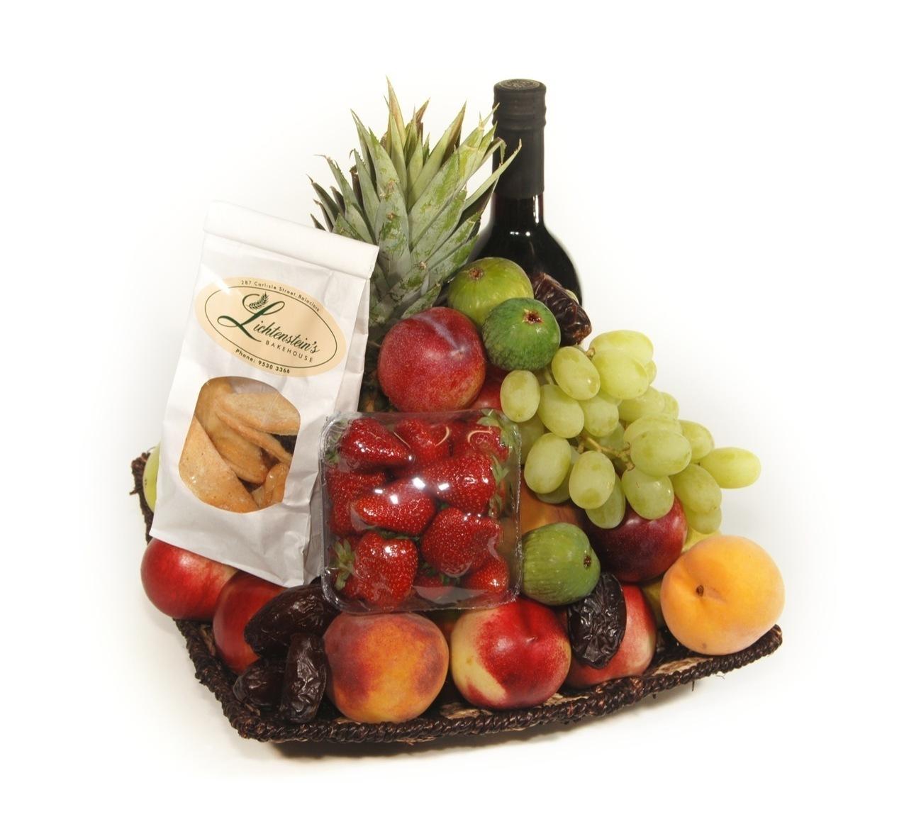 Корзина вино фрукты в подарок 242