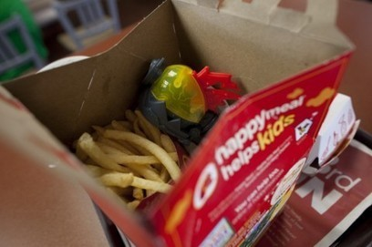 Rethinking the Happy Meal? Small prizes may get kids to pick up fruits and veggies at school. | Current stats on obesity | Scoop.it