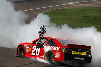 NASCAR Kansas 2013 results: Matt Kenseth wins Kansas NASCAR race - SB Nation | 2013 NASCAR Sprint Cup Schedule | Scoop.it