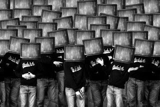 POLITICSNEW: Η επικίνδυνη κατασκευή της πολιτικής πραγματικότητας... | ARTICLES | Scoop.it