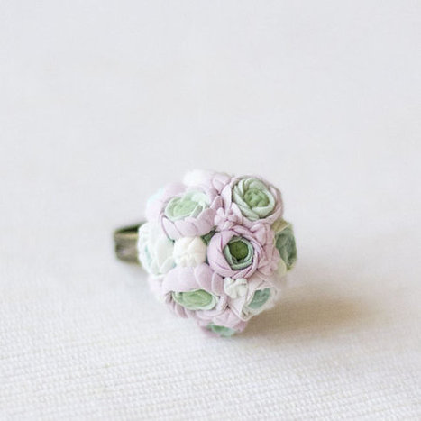 Ring with white and pink ranunculus  made to by GentleDecisions | I don't do fashion, I am fashion | Scoop.it