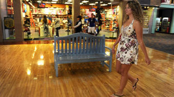 Gen Y shoppers, raised on e-commerce, still prefer in-store experience   Utilising Social Media   Scoop.it