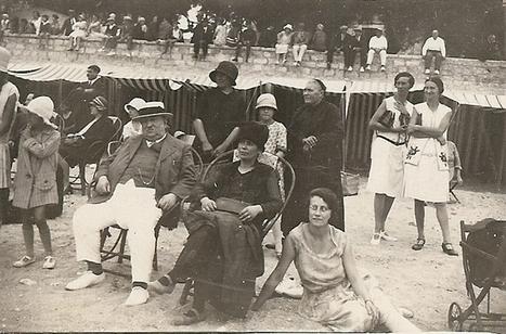 1929, un dimanche à la plage; photo ancienne. | Généalogie | Scoop.it