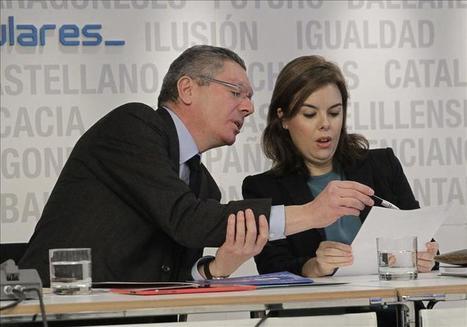Gallardón 'a tortas' con Soraya: o le aprueban la ley del aborto antes ... - elplural.com   resistencia y risa   Scoop.it