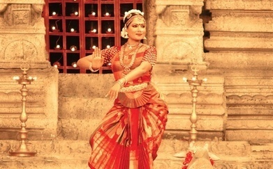 Dancing Her Way Between Two Contrasting Worlds - The New Indian Express   Bharatanatyam   Scoop.it