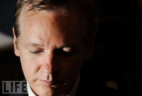 Julian Assange: Hero or Villain? | Photojournalism - Articles and videos | Scoop.it