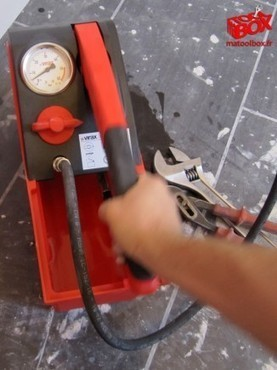Test: Pompe d'épreuve manuelle compacte 5L Virax 262035 | Ma TOOL BOX | Test d'Outillage Professionnel | Scoop.it
