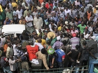 Social media fans the Nigerian fuel subsidy debate by Charlie Fripp | Twit4D | Scoop.it