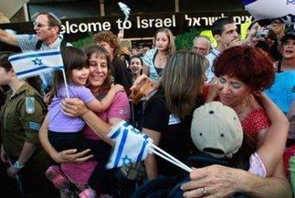 Aliyah Hits Ten-Year High | Jewish Education Around the World | Scoop.it