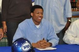 Red Bank's Davis chooses UTC on an emotional National Signing Day | Tennessee Libraries | Scoop.it