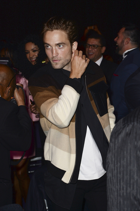 Robert Pattinson & FKA Twigs At The MOBO Awards In Leeds (4th Nov.) | Robert Pattinson Daily News, Photo, Video & Fan Art | Scoop.it