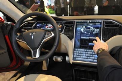 Tesla Adds Smarts to 'Vehicle Relationship Management' - CruxialCIO | Vehicle Telematics | Scoop.it