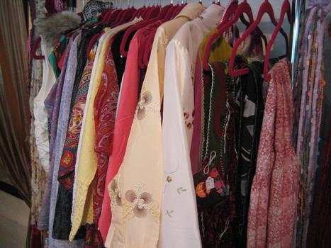 Closet por Mónica Koppel | accesorios, bolsas, zapatos, ropa, carteras, libretas....productos artesanales y asociados al aspecto holístico | Scoop.it