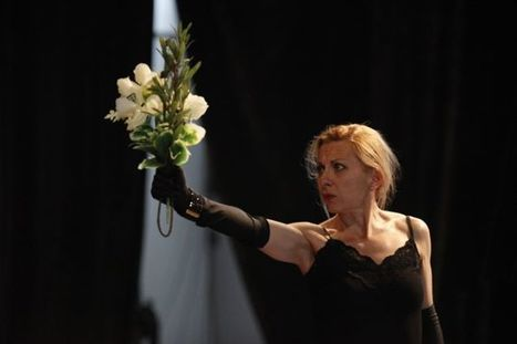 «Und», glaçant monologue | théâtre in and off | Scoop.it