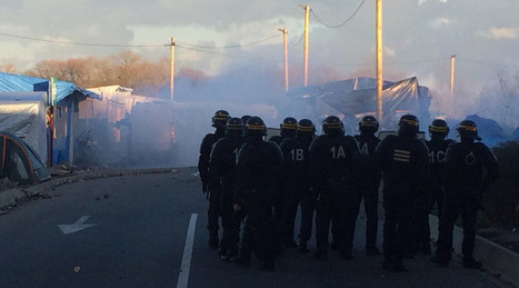 French police unleash tear gas against migrants in Calais, as mayor calls for army help   Saif al Islam   Scoop.it