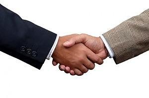 Quanto è importante stringere la mano? | Improving - migliorando | Scoop.it
