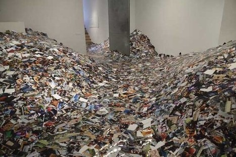 24 hours in photos, installation by Erik Kessels - 24 hours of Flickr photos printed | ArtInstalation | Scoop.it