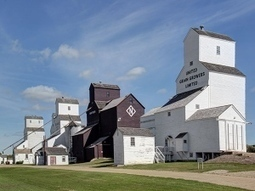 Canada: Manitoba photographer captures province's remaining grain elevators | Grain Elevators | Scoop.it