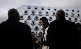 Inauguration d'une résidence sociale et métallique signée Anne Demians / DNA | CLICS de DOC ... les actualités Architecture Urbanisme Environnement du CAUE 67 | Scoop.it