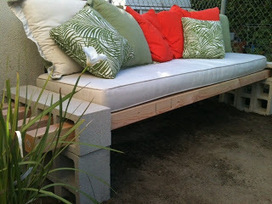 Cinder blocks become a garden bench | Mes évênements | Scoop.it