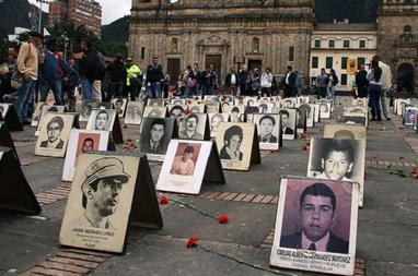 La DERECHA asesina al PUEBLO - El Paramilitarismo no quiere la paz: Asesinan a otro líder campesino en Colombia | La R-Evolución de ARMAK | Scoop.it